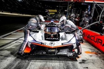 #7 Acura Team Penske Acura DPi, DPi: Helio Castroneves, Ricky Taylor, Alexander Rossi, au stand