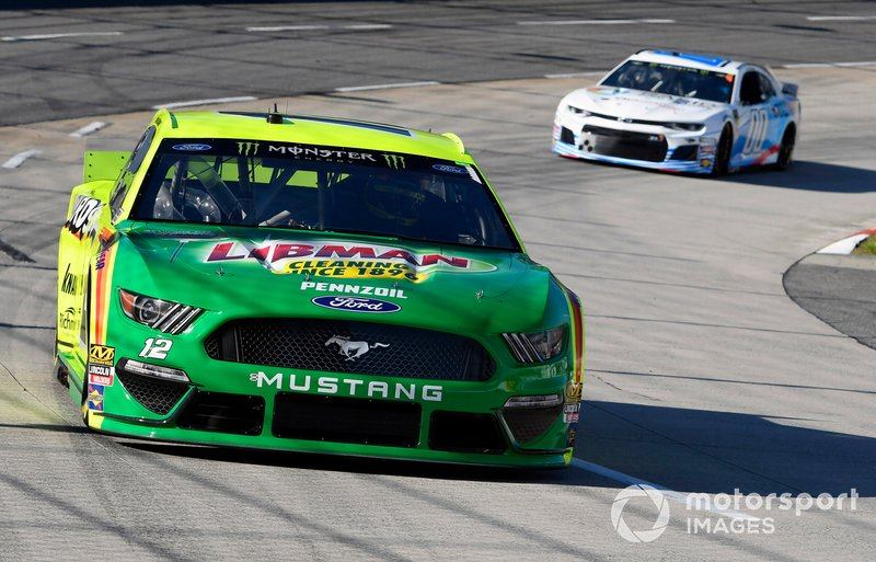 Ryan Blaney, Team Penske, Ford Mustang Menards/Libman and Landon Cassill, Manscaped Racing, Chevrolet Camaro