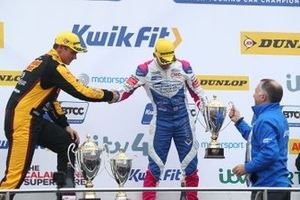 Podium: second place Jake Hill, Trade Price Cars Audi, third place Tom Chilton, Motorbase Performance Ford Focus