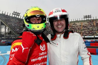 Mick Schumacher, Tom Kristensen celebrate