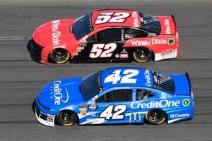 Cody Ware, Rick Ware Racing, Chevrolet Camaro Winn Dixie, Kyle Larson, Chip Ganassi Racing, Chevrolet Camaro Credit One Bank