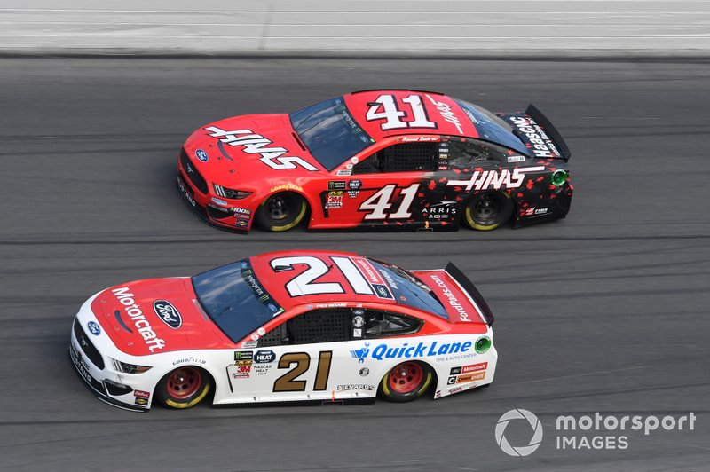 Paul Menard, Wood Brothers Racing, Ford Mustang Motorcraft / Quick Lane Tire & Auto Center, Daniel Suarez, Stewart-Haas Racing, Ford Mustang Haas Automation