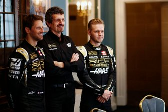 Romain Grosjean, Haas F1 Team, Guenther Steiner, Team Principal, Haas F1 and Kevin Magnussen, Haas F1 Team