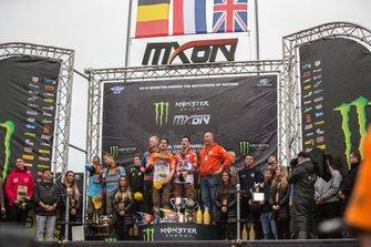 Calvin Vlaanderen, Glenn Coldenhoff en Jeffrey Herlings, TeamNL viert feest op het podium