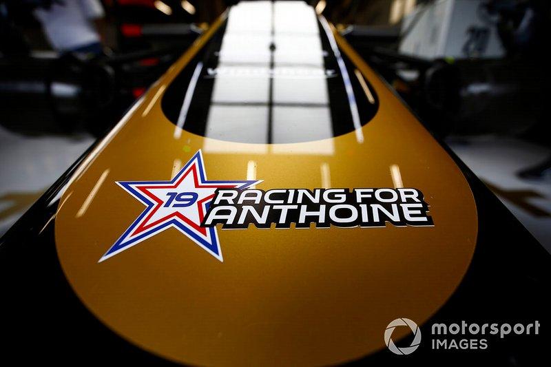 Un sticker en hommage à Anthoine Hubert sur le nez de la Haas F1 Team VF-19