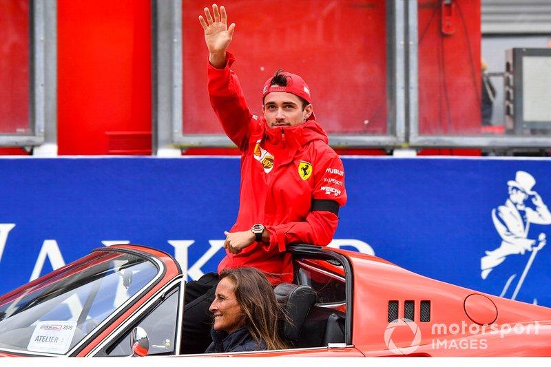 Charles Leclerc, Ferrari, alla parata dei piloti