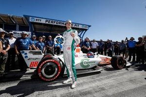 NTT P1 Award winner Colton Herta, Harding Steinbrenner Racing Honda celebrates his pole win