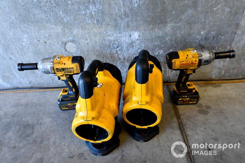Erik Jones, Joe Gibbs Racing, Toyota Camry STANLEY tools
