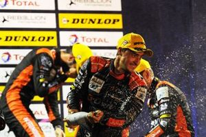 Podyum: Yarış galibi #26 G-Drive Racing Aurus 01 Gibson: Roman Rusinov, Job Van Uitert, Jean-Eric Vergne