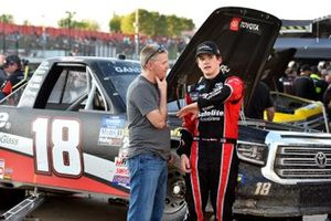 Harrison Burton, Kyle Busch Motorsports, Toyota Tundra Safelite AutoGlass and Jeff Burton