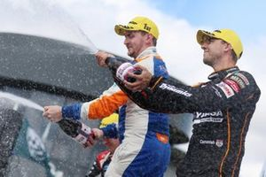 Sam Tordoff, AMD Tuning Honda Civic e Dan Cammish, Halfords Yuasa Team Dynamics Honda Civic