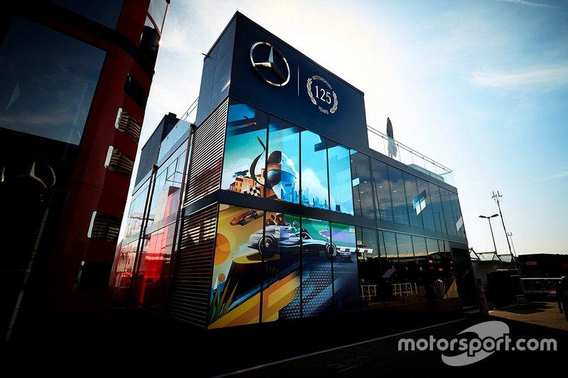Le motorhome de Mercedes AMG F1