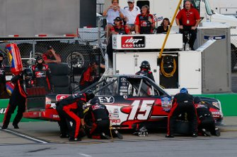 Dylan Lupton, DGR-Crosley, Toyota Tundra Crosley pit stop