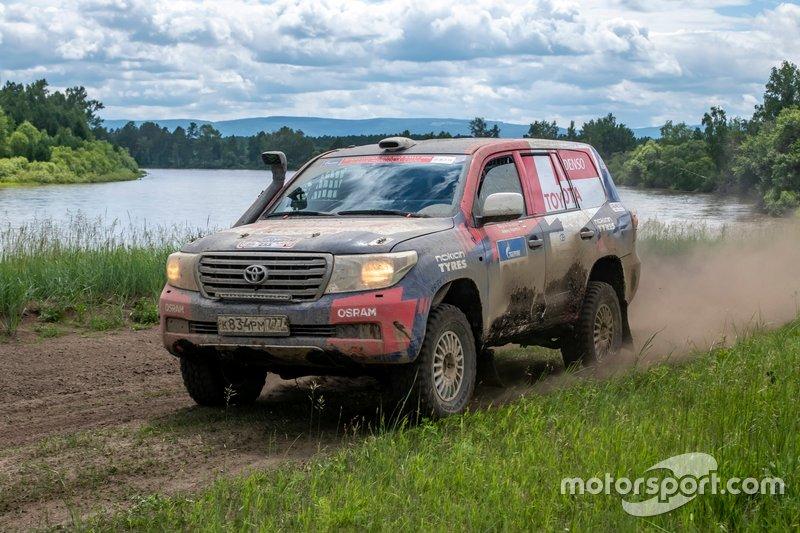 Bodgan Bulychev, Aleksei Kuzmich, Land Cruiser Russia Team, Toyota Land Cruiser 200