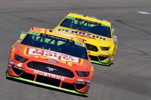 Ryan Newman, Roush Fenway Racing, Ford Mustang Oscar Mayer Bacon, Joey Logano, Team Penske, Ford Mustang Pennzoil