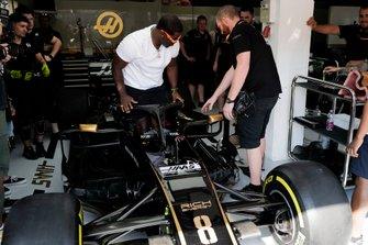 Рэпер ASAP Ferg за рулем Haas F1 Team VF-19