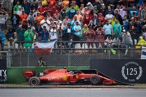 Choque de Charles Leclerc, Ferrari, lo deja fuera de la carrera