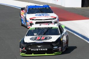 Kevin Harvick, Stewart-Haas Racing, Ford Mustang Jimmy John's, Ryan Preece, JTG Daugherty Racing, Chevrolet Camaro Kroger