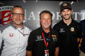 Il presidente HPD Ted Klaus, Michael Andretti e Alexander Rossi, annunciano che Rossi correrà per Andretti Autosport con motori Honda nel 2020