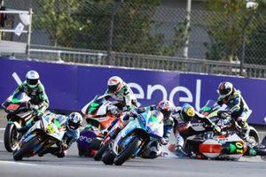 Matteo Ferrari, Trentino Gresini MotoE en tête, Xavier Simeon, LCR E-Team se crashent