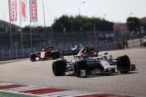 Antonio Giovinazzi, Alfa Romeo Racing C39, Sebastian Vettel, Ferrari SF1000