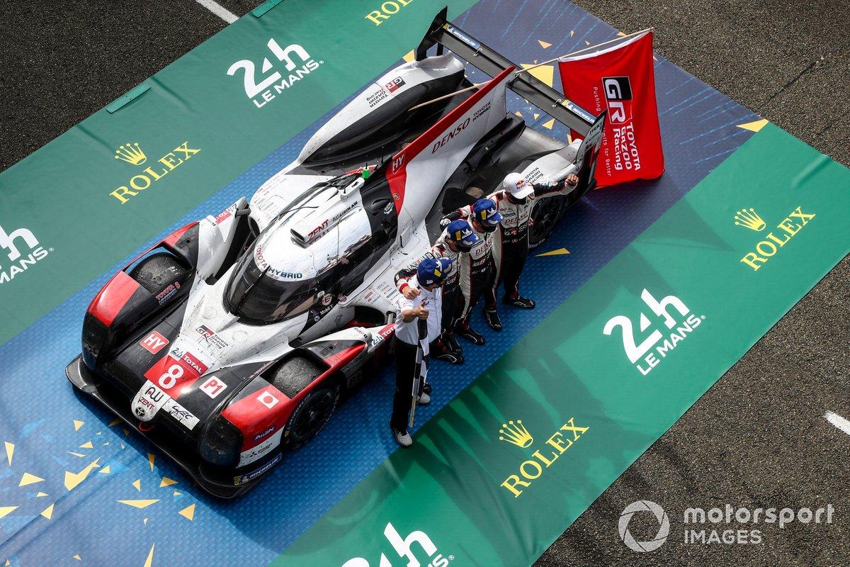 Ganadores #8 Toyota Gazoo Racing Toyota TS050: Sebastien Buemi, Kazuki Nakajima, Brendon Hartley