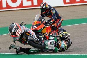 Caída de Thomas Luthi, Intact GP and Kasma Daniel, SAG Racing Team
