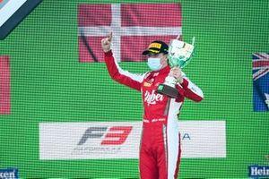 Race Winner Frederik Vesti, Prema Racing celebrates on the podium with the trophy