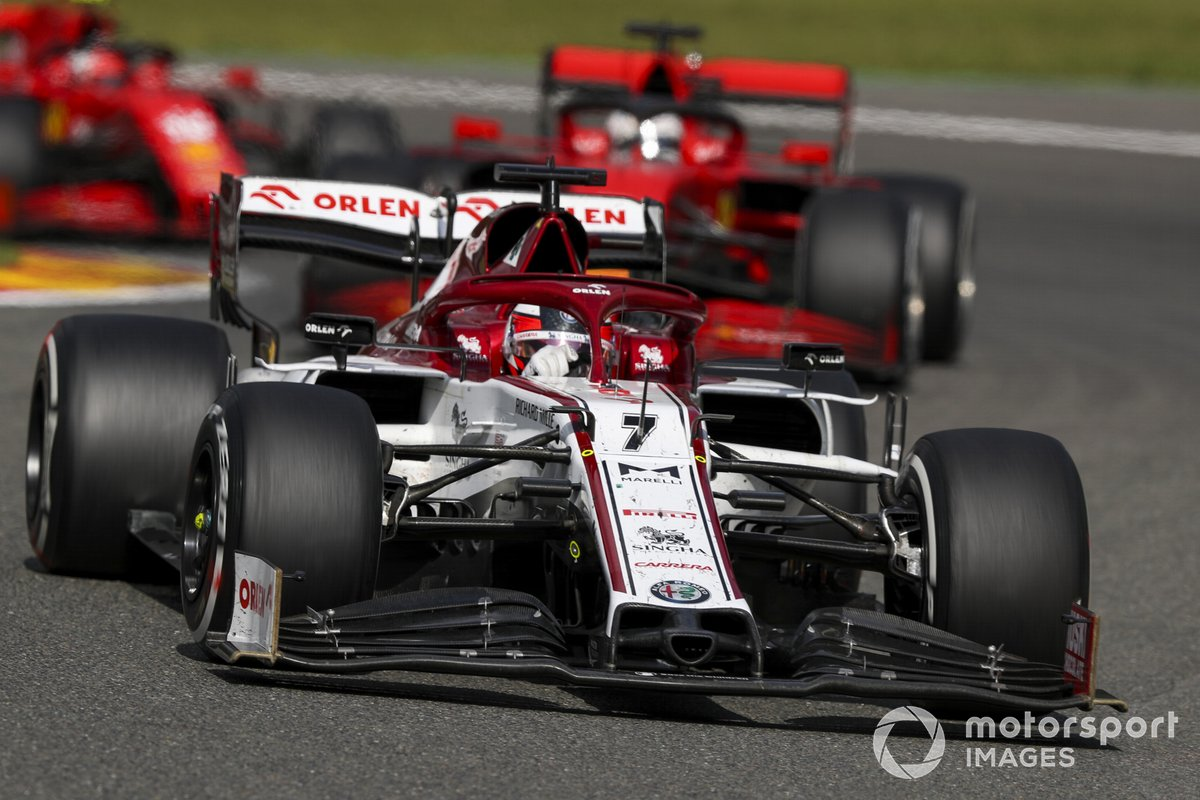 Kimi Raikkonen, Alfa Romeo Racing C39, Sebastian Vettel, Ferrari SF1000, e Charles Leclerc, Ferrari SF1000