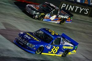 Todd Gilliland, Front Row Motorsports, Ford F-150 Speedco, Raphael Lessard, Kyle Busch Motorsports, Toyota Tundra Canac
