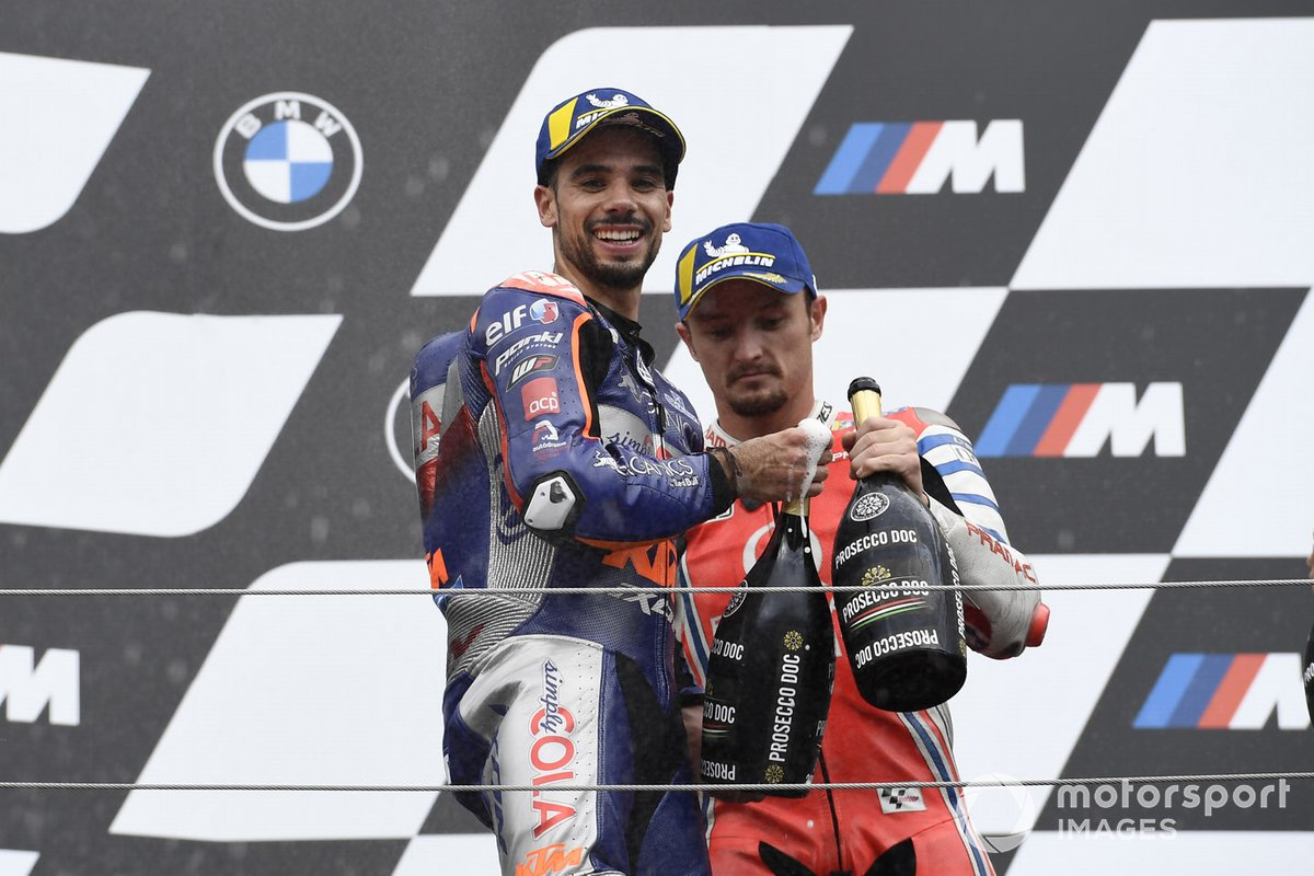 Podio: ganador Miguel Oliveira, Red Bull KTM Tech 3