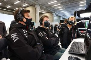 Toto Wolff, Team Principal and CEO, Mercedes AMG, in the garage with team mates