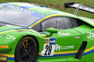 #29 Vincenzo Sospiri Racing, Lamborghini Huracán GT3 Evo: Simone Iacone, Sascha Tempesta