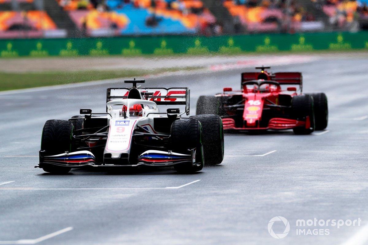 Nikita Mazepin, Haas VF-21, Charles Leclerc, Ferrari SF21