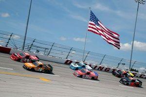 Spencer Boyd, Young's Motorsports, Chevrolet Silverado Dan-O's Seasoning and Tyler Ankrum, GMS Racing, Chevrolet Silverado LiUNA!