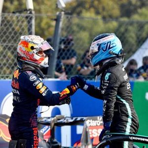 Max Verstappen, Red Bull Racing, 2nd position, congratulates Valtteri Bottas, Mercedes, 1st position, in Parc Ferme after Sprint Qualifying