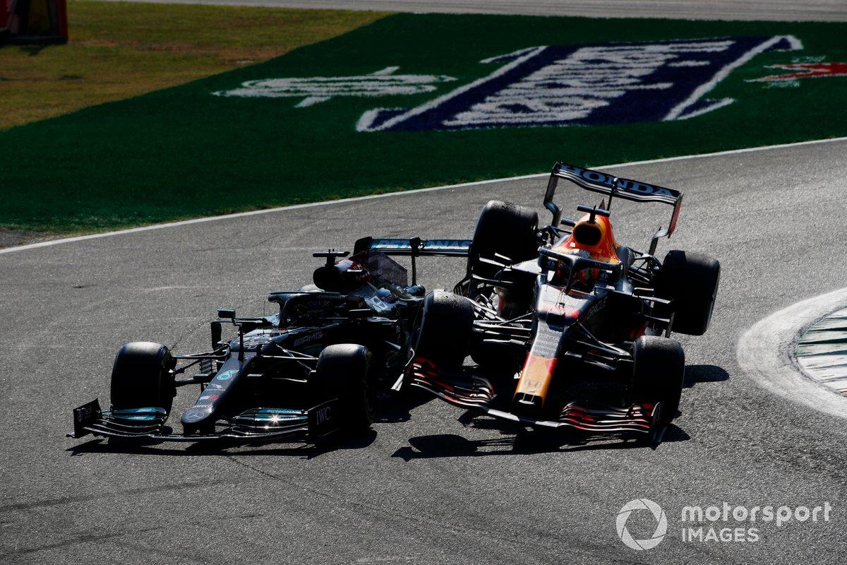 Льюис Хэмилтон, Mercedes W12, Макс Ферстаппен, Red Bull Racing RB16B, столкновение