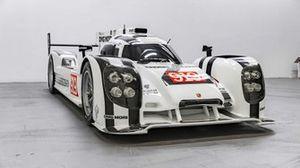 2014-porsche-919-hybrid-show-car