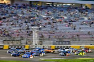 Todd Gilliland, Front Row Motorsports, Ford F-150 Speedco and Stewart Friesen, Halmar Friesen Racing, Toyota Tundra Halmar International