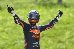 Ganador de la carrera Raúl Fernández, Red Bull KTM Ajo