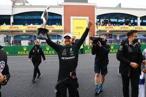 Valtteri Bottas, Mercedes, 1st position, celebrates with his trophy