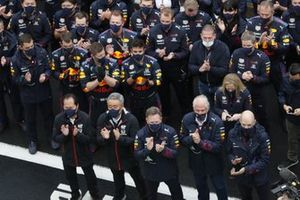 Toyoharu Tanabe, F1 Technical Director, Honda, Masashi Yamamoto, General Manager, Honda Motorsport, Christian Horner, Team Principal, Red Bull Racing, Helmut Marko, Consultant, Red Bull Racing, Adrian Newey, Chief Technical Officer, Red Bull Racing, and the Red Bull team gather for the podium ceremony