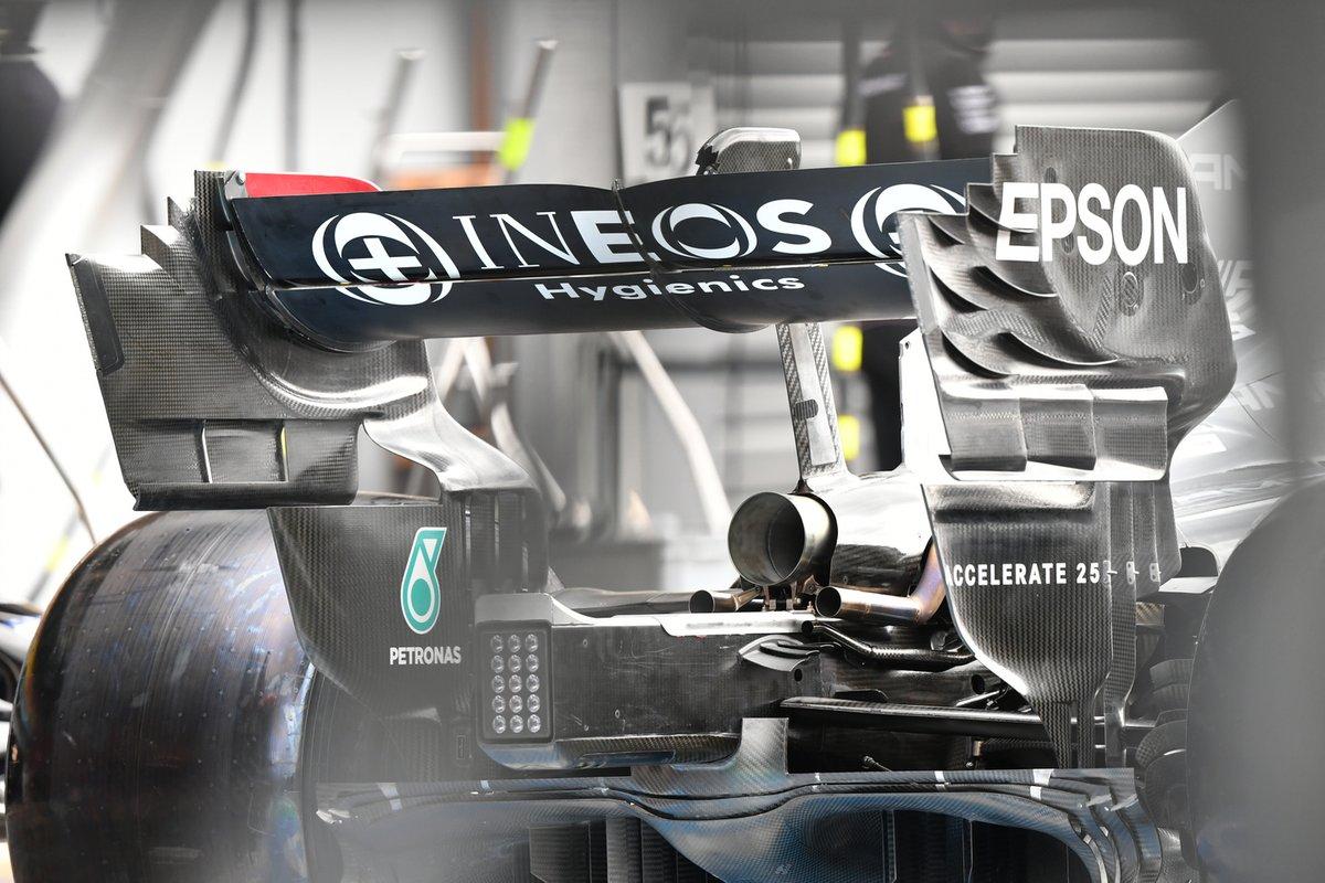 Mercedes W12: Heckflügel