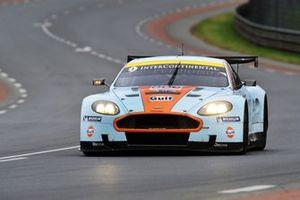 #8 Aston Martin DBR9: Roald Goethe, Stuart Hall