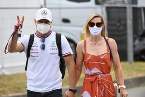 Valtteri Bottas, Mercedes, with his girlfriend Tiffany Cromwell