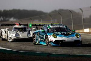 #88: Team Hardpoint EBM Porsche 911 GT3R, GTD: Katherine Legge, Rob Ferriol, #01: Cadillac Chip Ganassi Racing Cadillac DPi, DPi: Renger van der Zande, Kevin Magnussen