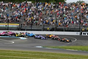Patricio O'Ward, Arrow McLaren SP Chevrolet leads first lap