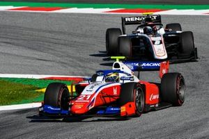 Robert Shwartzman, Prema Racing, leads Christian Lundgaard, ART Grand Prix