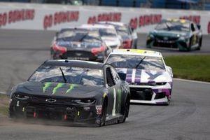 Kurt Busch, Chip Ganassi Racing, Chevrolet Camaro Monster Energy and Jimmie Johnson, Hendrick Motorsports, Chevrolet Camaro Ally