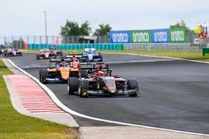 Enzo Fittipaldi, HWA Racelab, leads Alexander Peroni, Campos Racing